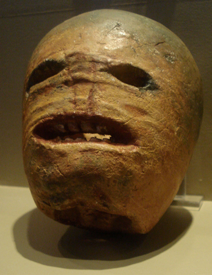 Turnip lantern from the early 20th century at the Museum of Country Life, Ireland (Wikimedia Commons_Rannpháirtí anaithnid)